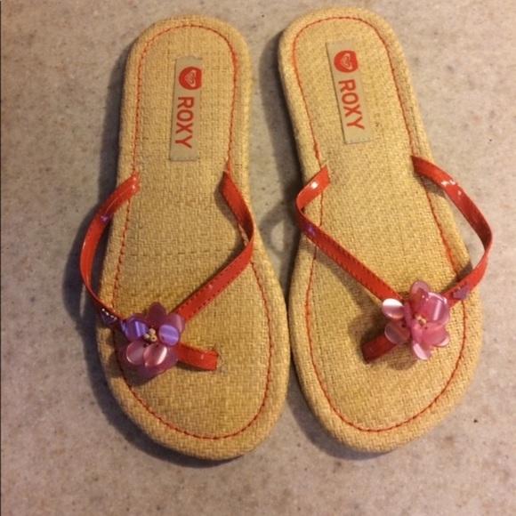 Roxy Shoes - Roxy flower flip flops